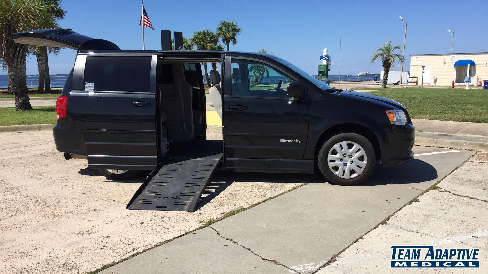 2016 Dodge Grand Caravan   Stock: PEGR382686   Wheelchair ...