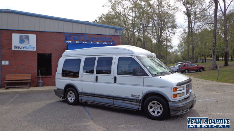 Atmore, Al 2000 GMC Savana wheelchair van for sale