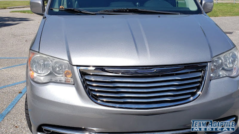Chrysler Town and Country Image